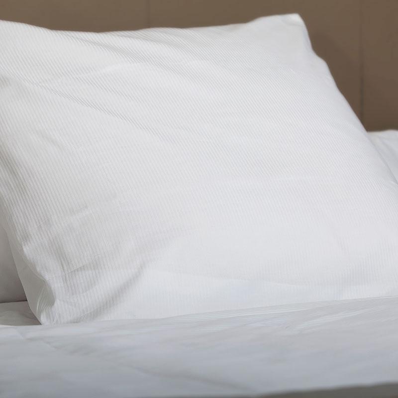 Bettwäsche mit 3 mm Feinstreifen